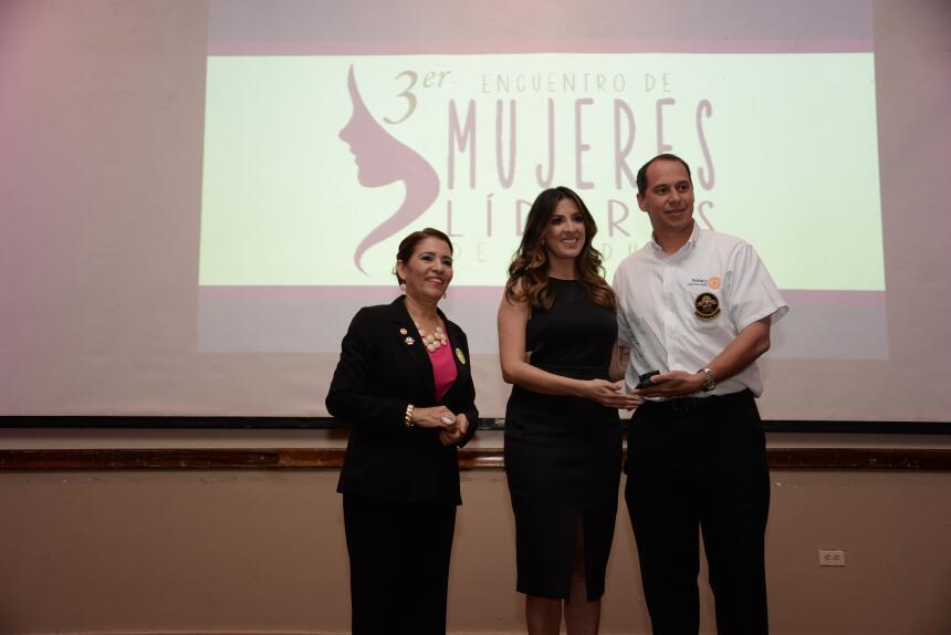 Maity Interiano encuentro Mujeres Líderes en Honduras
