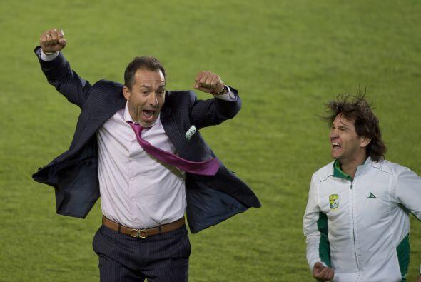 León festejó su segundo título consecutivo tras el...
