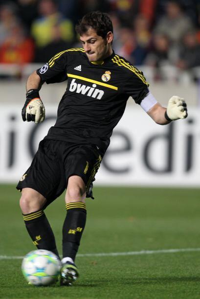 No dudamos al decir que el arquero Iker Casillas fue un espectador más e...