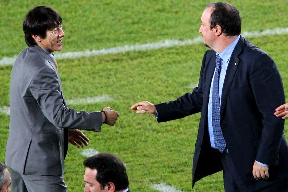 Rafael Benítez, técnico interista, se saludó con su similar del cuadro a...