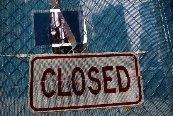 El sitio de desastre aun se mantiene cerrado y está bajo construcción.