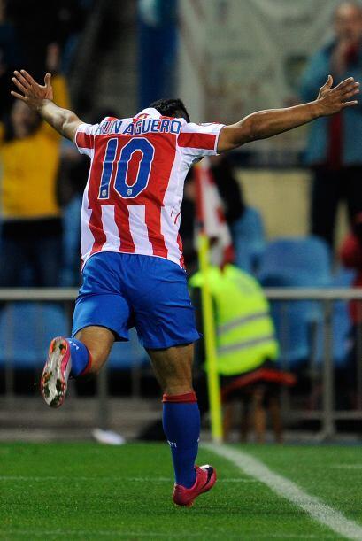 Con tres tantos del 'Kun', Atlético venció por 4-3 al Mallorca.