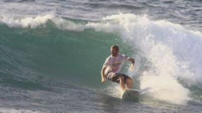 Surfistas en el agua