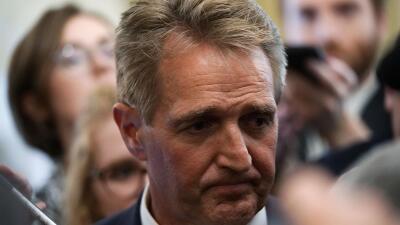 Senador republicano no apoyará a jueces propuestos por Trump sin que antes se blinde legalmente a Mueller