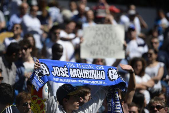Y la afición del Real Madrid dividida en opiniones sobre Mourinho. Adela...