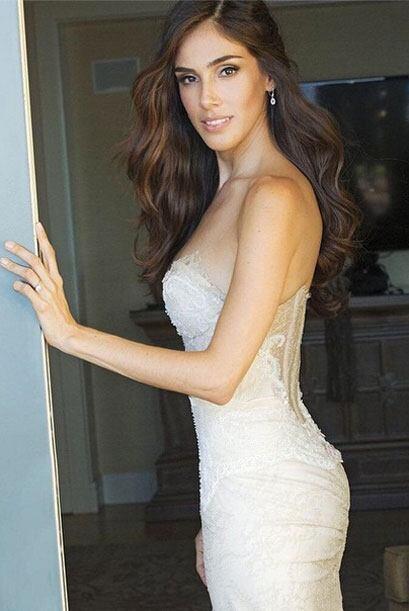Sandra Echeverría compartió con sus seguidores algunas fotos de su boda.