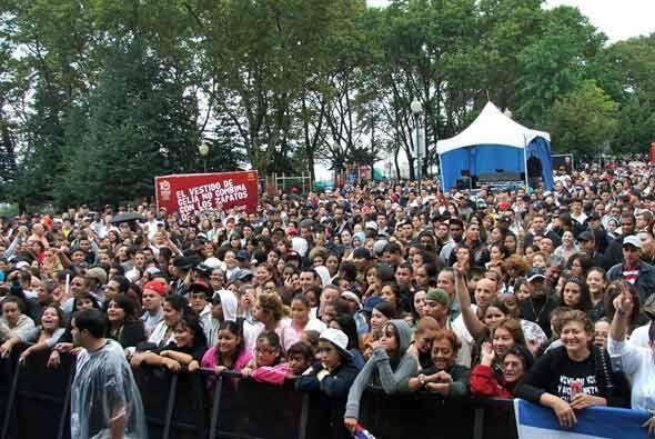 Alrededor de 30 mil personas se dieron cita en West New York, NJ, para v...