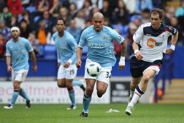 Mancheste City continuó con su gran cierre de torneo ante el Bolton.