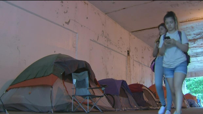 Desamparados de Uptown demandarán a la ciudad si modifica los viaductos...