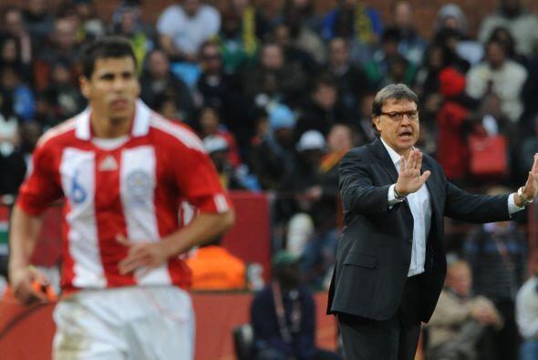 Paraguay confía en el entrenador argentino Gerardo Martino que llevó al...