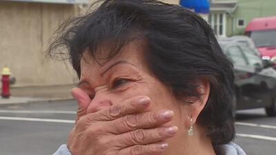 Entre lágrimas, mujer de 71 años denuncia que le robaron todos los ahorros que tenía