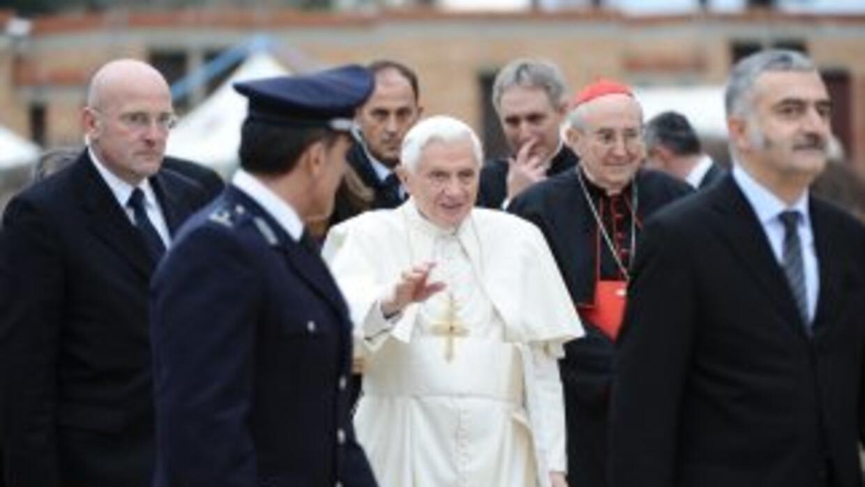 El papa Benedicto XVI visitó una cárcel italiana.