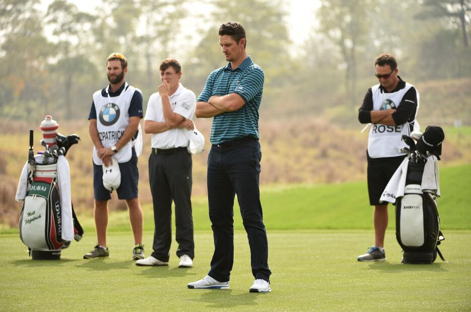 Golfistas guardan un minuto de silencio en el Másters BMW, en China.
