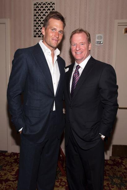 Tom Brady Nació el 3 de agosto de 1977 en San Mateo, California.  Más vi...