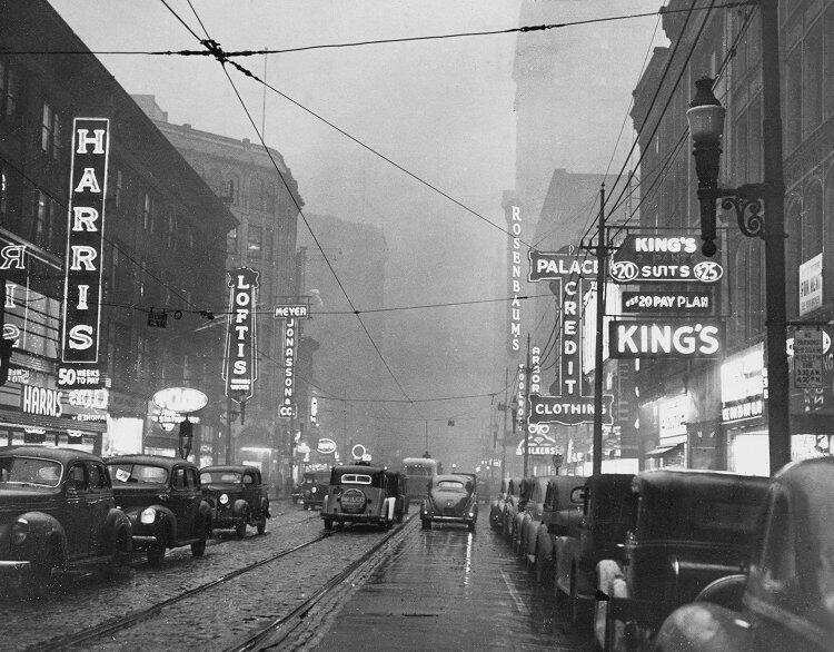 """Cuadra 600 de la Avenidad Liberty"". 1940."