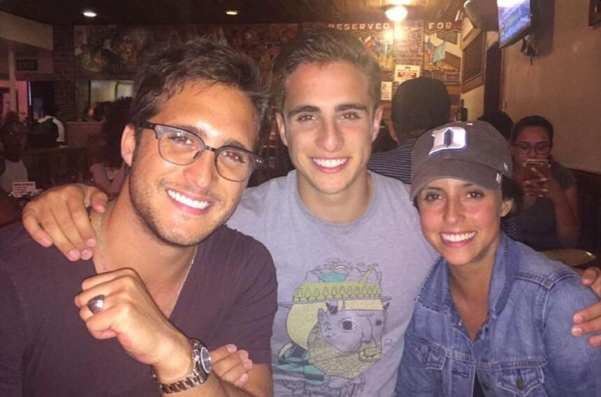 Diego Boneta y sus hermanos