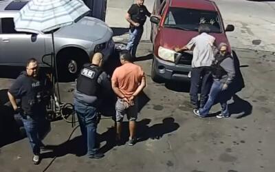 El video del arresto de Juan Hernández en un taller mecáni...