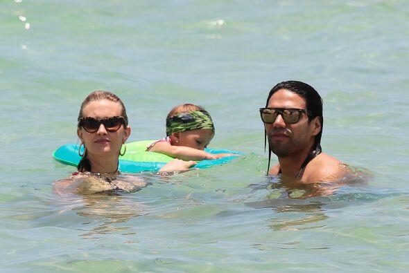 La familia disfrutó de las cálidas aguas de Miami, esperemos que el nada...