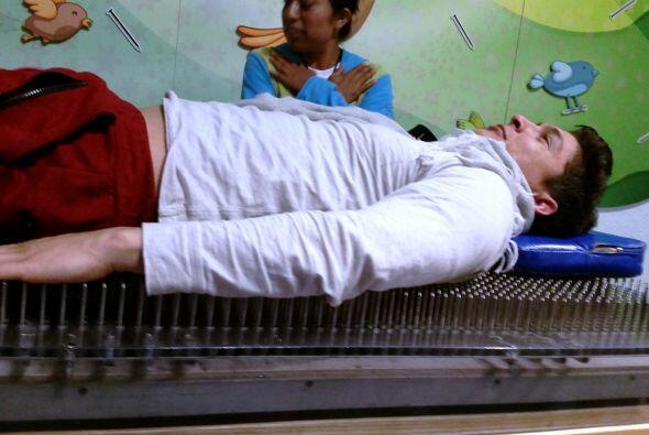 Otra fabulosa idea… dormir en una cama de clavos.