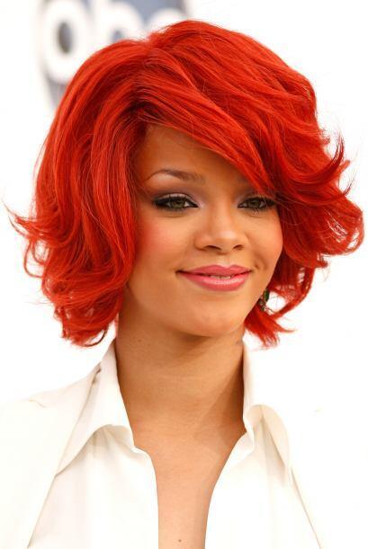 Después de un rojo pasión, se tiñó el cabello de un naranja casi zanahoria.