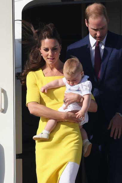 William usaba el mismo traje azul de su partida, pues prefirió no entrar...
