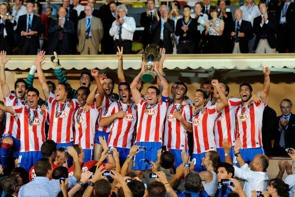 Y por si fuera poco, los 'Colchoneros' se alzaron con la Supercopa europ...