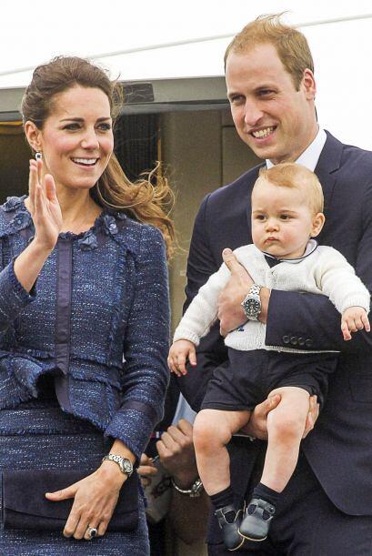 El 'Principito', llevaba un atuendo abrigador en blanco con negro.