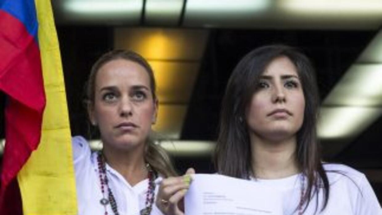 """Las esposas de los líderes opositores denunciaron la""""tortura psicológica..."""