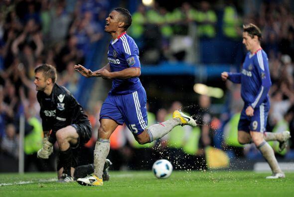 El Chelsea ganaba bien y faltaba más. Malouda aprovechó una duda defensi...