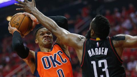 Harden ganó la batalla a Westbrook en el primer juego de la serie.