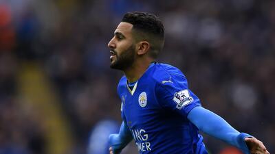 El crack argelino Riyad Mahrez firmó una extensión de contrato con Leicester hasta 2020