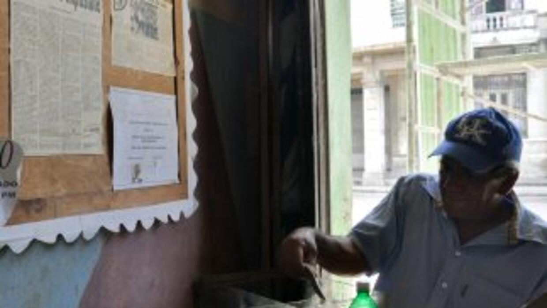 Los envíos postales de Cuba a Estados Unidos, donde viven 1.5 millones d...
