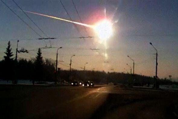El impactante meteoro viajaba a tal velocidad que las ondas generadas a...