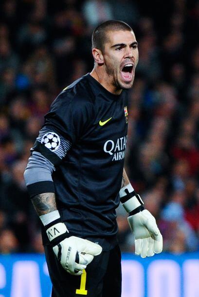 En la portería los dos ex futbolistas del Barcelona, Víctor Valdés y Jos...