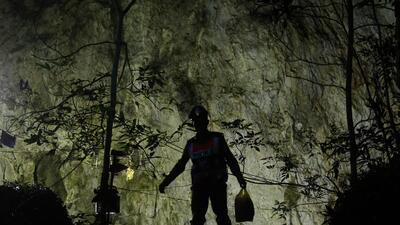 En fotos: El rescate de los trece jóvenes de un equipo de fútbol perdidos en una cueva de Tailandia