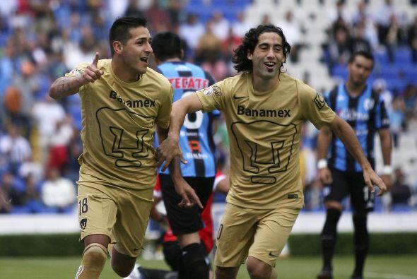 Los actuales Pumas tienen a extranjeros como Diego Lagos, Matías Britos,...
