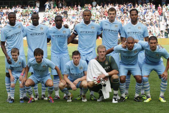 El nuevo rico de la Premier, Manchester City, sigue empeñado en ganar la...