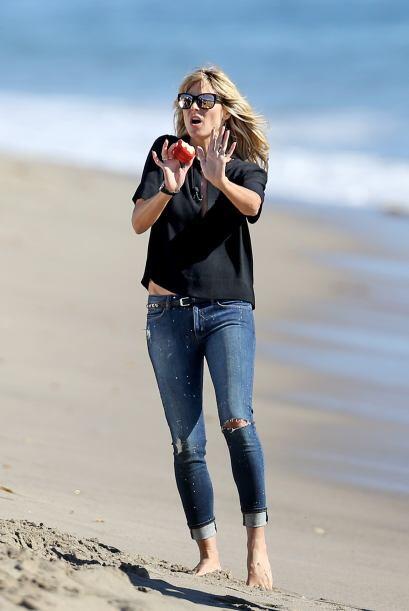 ¡Oh, no! ¿Pero qué le hacen a Heidi Klum? Mira aquí los videos más chism...