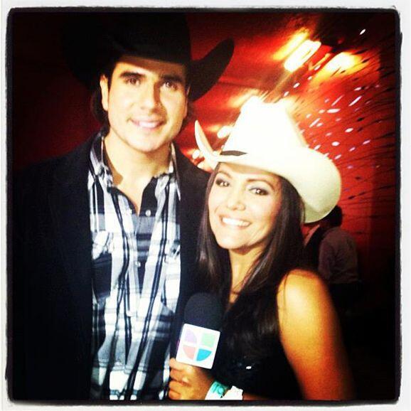 Durante los premios Bandamax pudo entrevistar a Daniela Arenas.