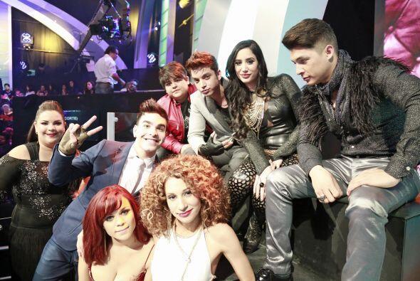 Ana Cristina junto al resto del equipo de Dulce María, lista para la seg...