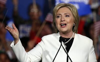Hillary Clinton no habló de victoria, sí de su plataforma