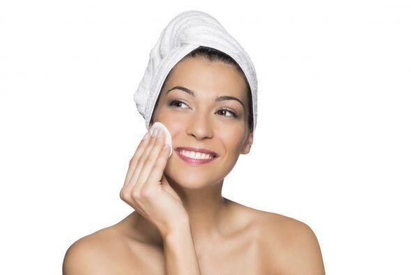 Otro consejo es que no olvides desmaquillarte antes de lavar tu rostro....