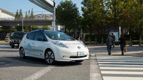 Vehículo autónomo Nissan Leaf