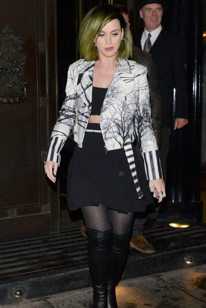 ¡Wow! Katy Perry también nos dejó sin aliento. El 'look' que se llevó un...
