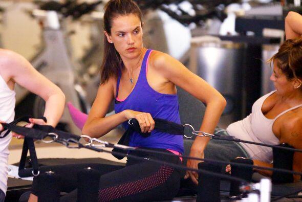 Alessandra Ambrosio es una de las modelos que ha sido captada varias vec...