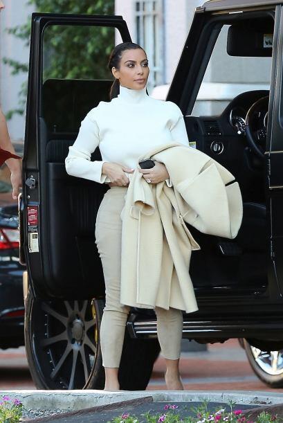 19. Pero sin necesidad de mostrar mucha piel Kim da de qué hablar. Aunqu...