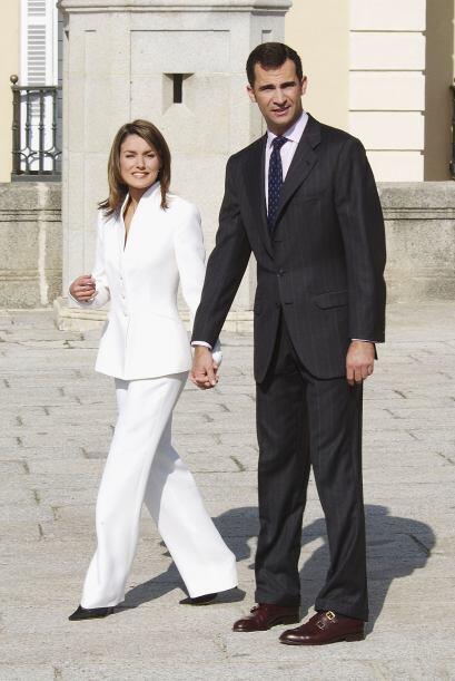 Usó pantalones en su pedida de mano, ha vestido prendas de diseñadores l...