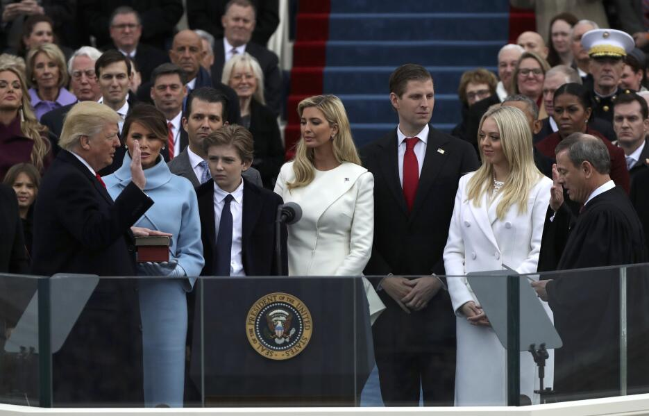 In photos: President Trump is sworn in 2017-01-20T170216Z_1962911914_HT1...