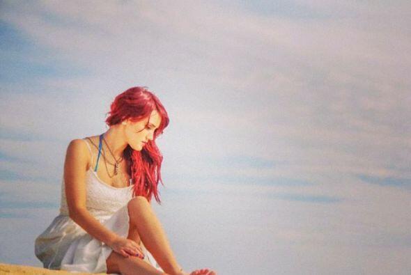 """Con esta bella imagen en la playa nos dice: """"No esperes que alguien crea..."""