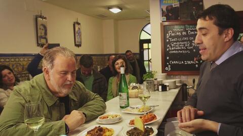 Descubre con Raúl de Molina cuántos tipos de 'Tapas' se preparan en Sevilla